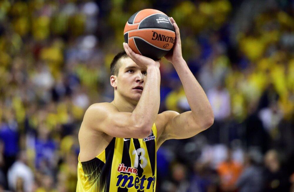 VIDEO: Bogdanovici elu mäng aitas Fenerbahce võidule Olympiakose üle