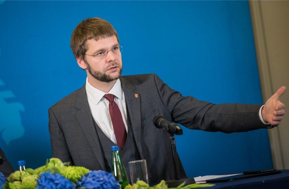 Ossinovski maksumaksjate vaenlase tiitlist: mõistan, et inimesed, kelle elus mängib alkohol suurt rolli, on pahased