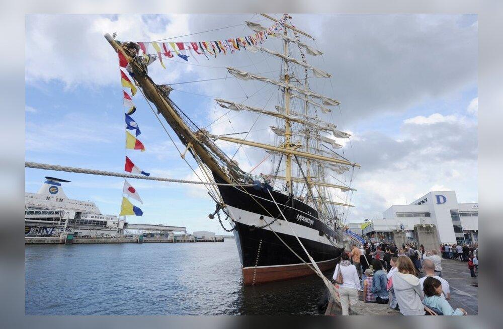 Tallinna merepäevadeks saabub lennusadamasse parklaev Krusenstern