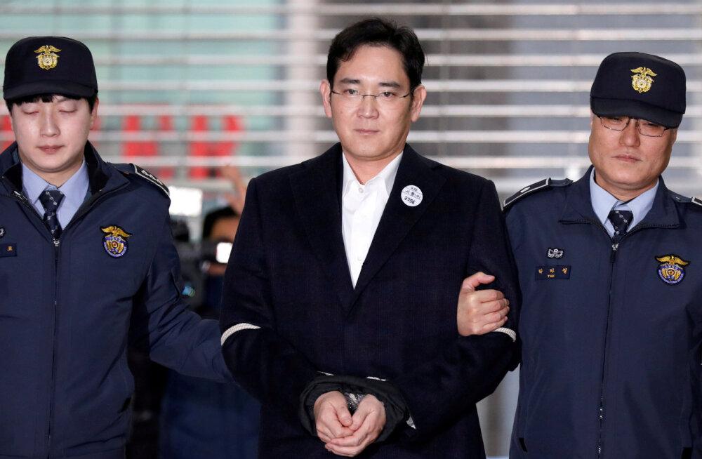 Samsungi miljardärist omanik mõisteti viieks aastaks vangi