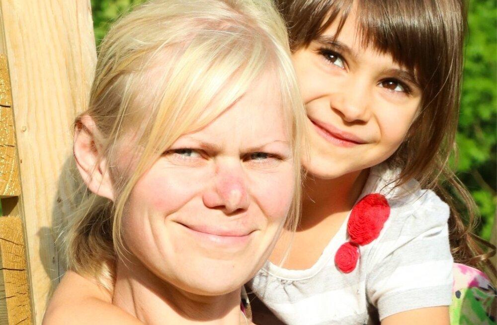 Heidi ja lapsed on taas jalamehed, sest ka praegune auto veedab aega remonditöökojas.