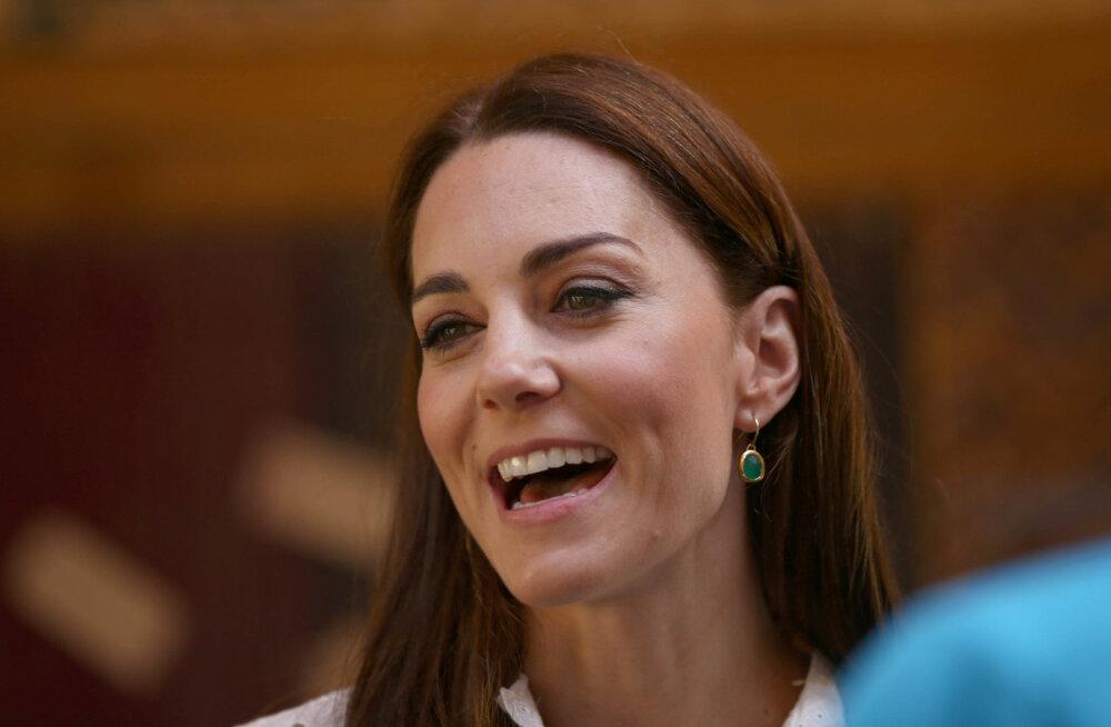 Kõigeks valmis! Kate Middleton ei sõida kuhugi, kui autos pole olemas just seda väikest asja