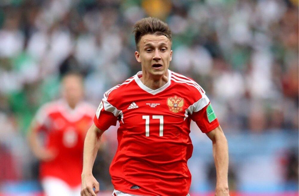 Aleksandr Golovin MM-il Venemaa koondise särgis.