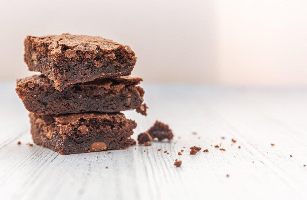 RETSEPT | Ideaalne nädalavahetuse magustoit: suussulav brownie, mis ei jäta kedagi külmaks