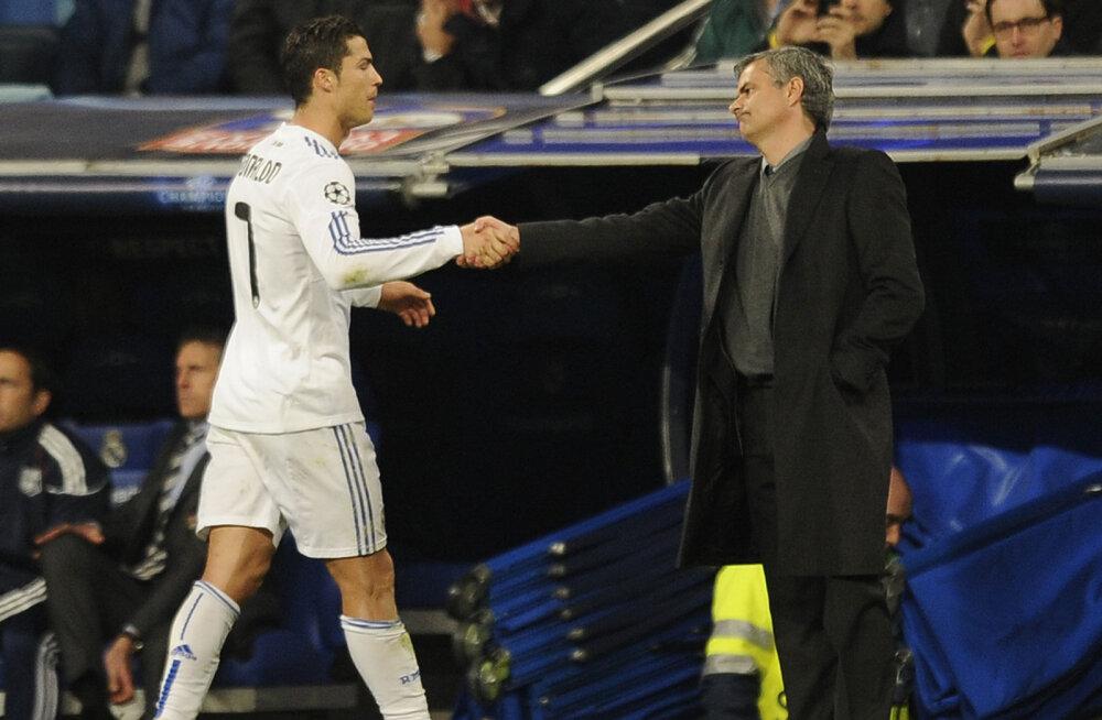 Mourinho keelas Manchester Unitedi bossidel Ronaldot osta