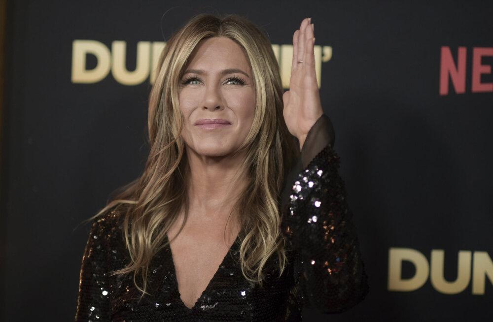 Jennifer Aniston väsinud kõlakatest: ma ei plaani emadust