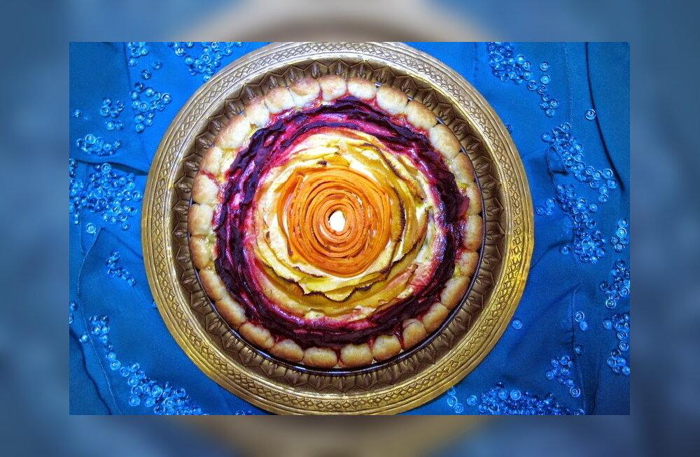 RETSEPT | Taasiseseisvumispäevaks: maitsev ja pidulik kodujuustu-juurviljapirukas