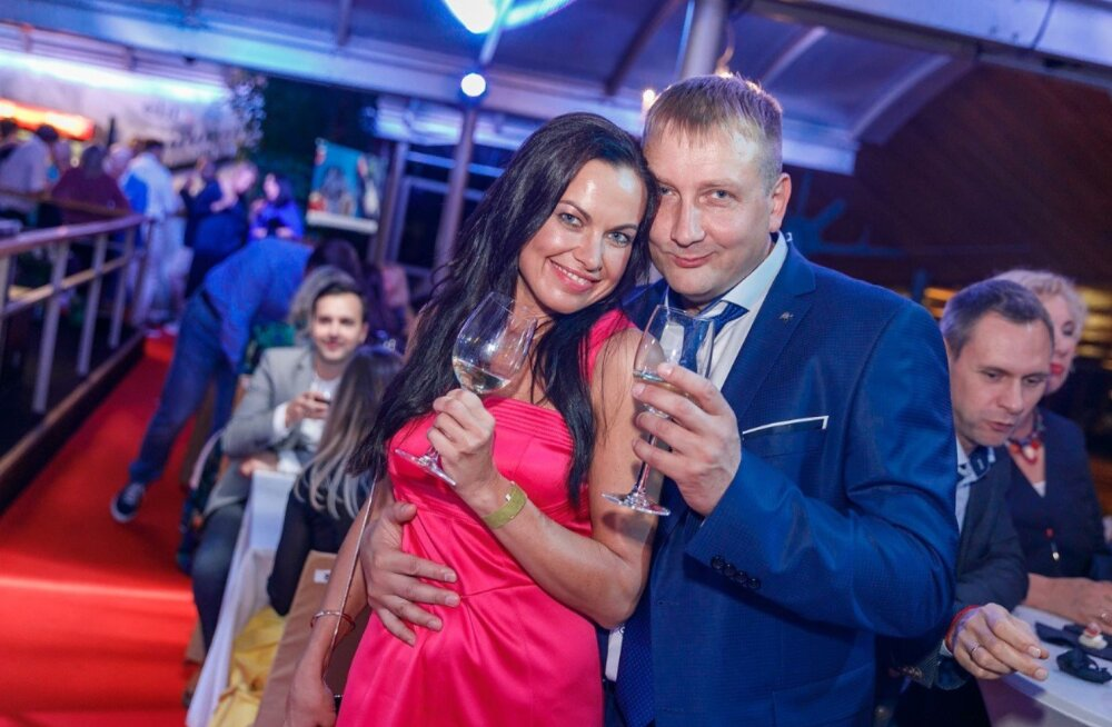 FOTO | Kibe, kibe! Eesti ärimees võttis Läti armastatud näitleja endale naiseks