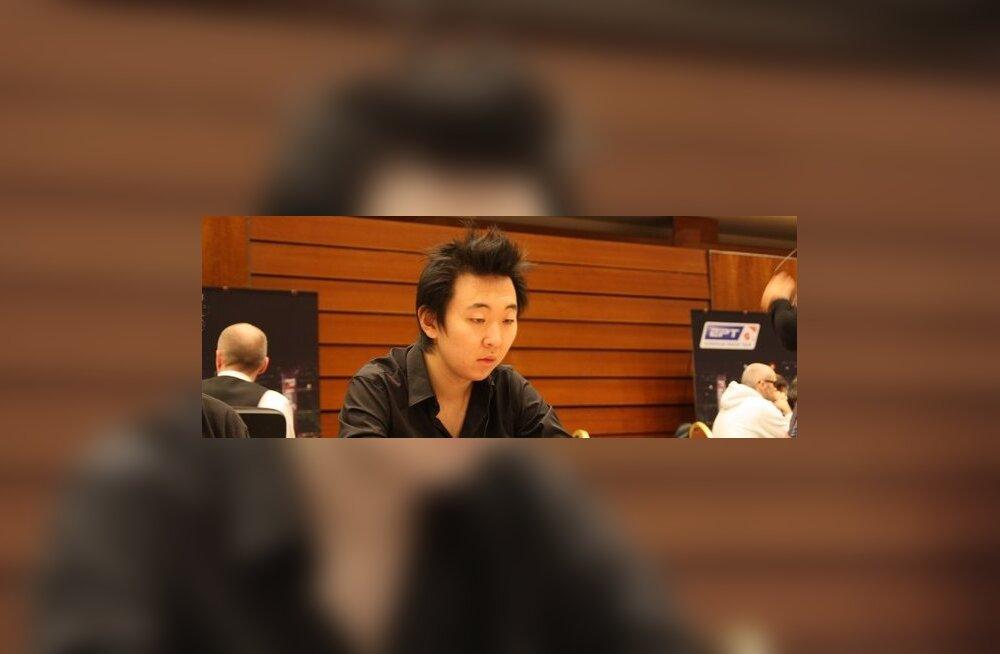 Viktor Blom astub SuperStar Showdownis vastamisi Rui Caoga