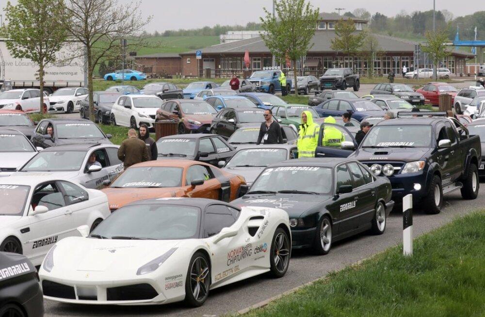 Politsei arestis neljapäeval 120 sportautot