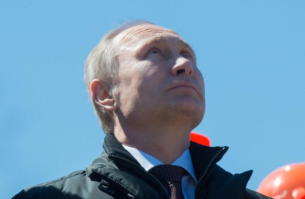 Raketi stardi edasilükkumise tõttu Putini silme all algas Roskosmose ulatuslik kontroll