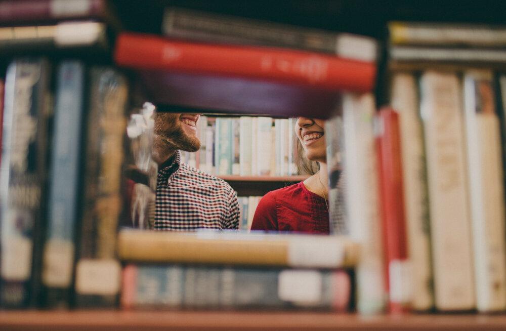 Naine, kes armus oma elukaaslase sõpra: elame kõik koos samas majas ja suht keeruline on juba niimoodi olla