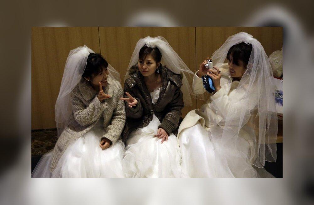 Uus murettekitav trend: interneti teel abiellumine aitab inimkauplejaid