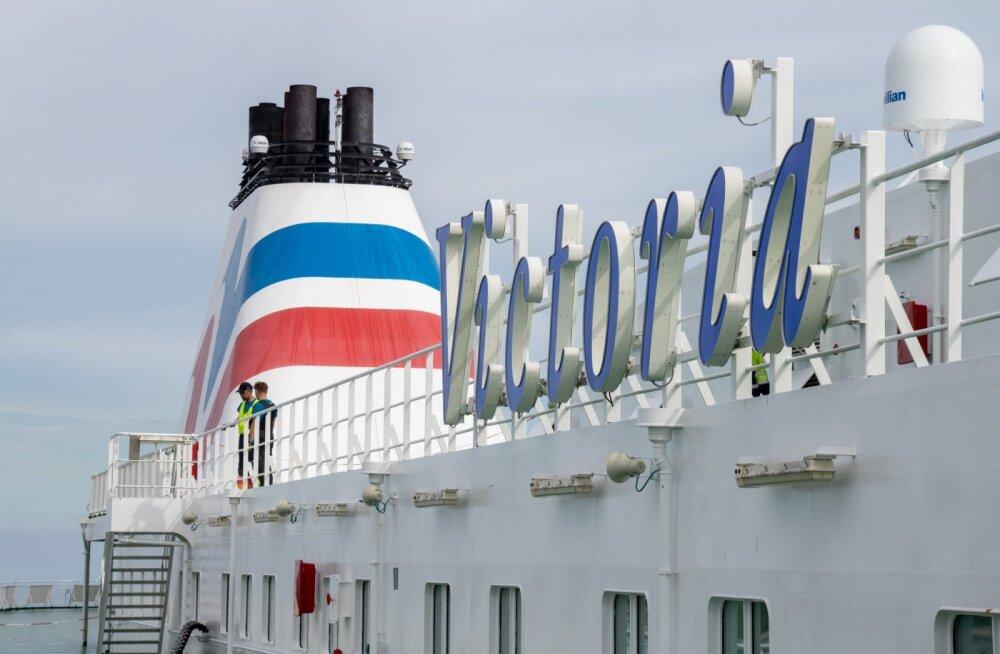 У одного из пассажиров праздничного круиза Tallink выявили коронавирус. Действуют ли в море ограничения, установленные на суше?