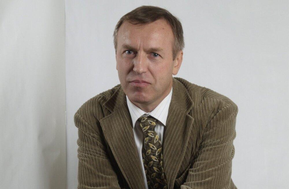 IVO MAHHOV