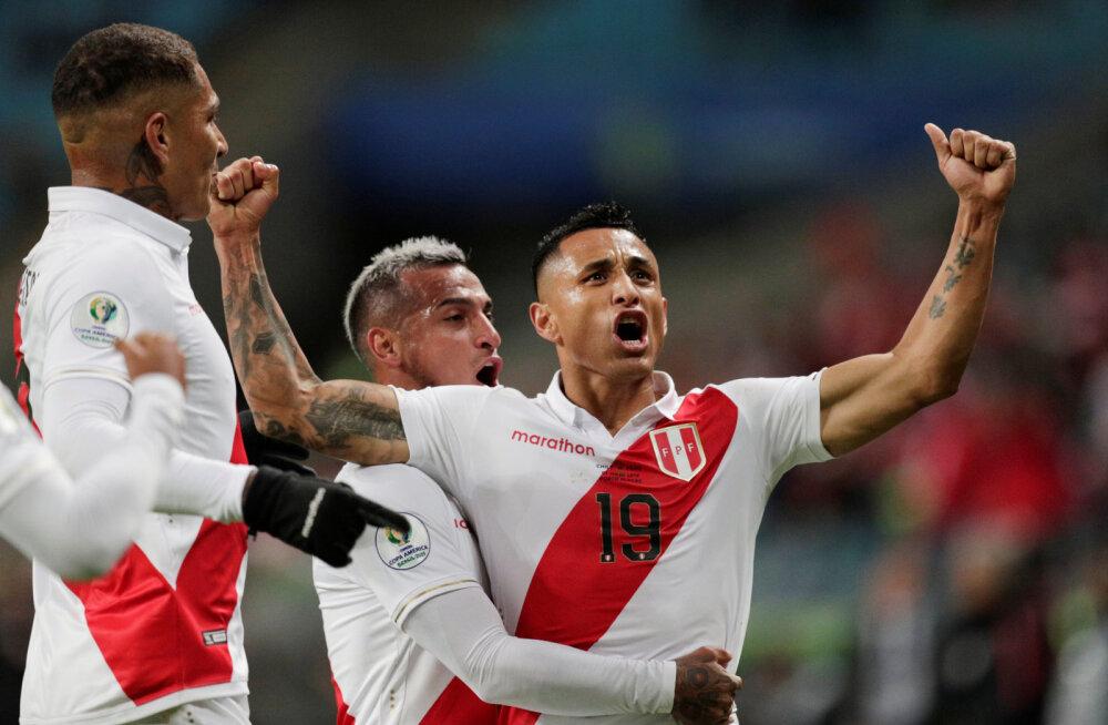Tiitlikaitsja Tšiili alistanud Peruu pääses üle 44 aasta Copa America finaali