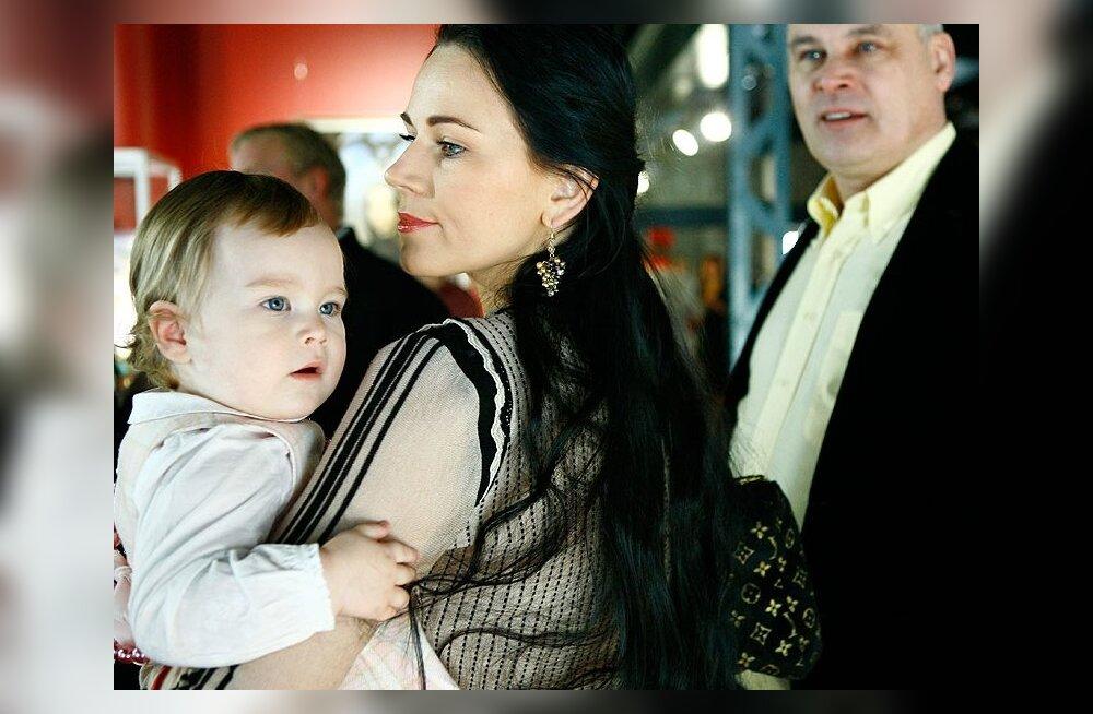 Kui hästi passiks Kati Toots peaministri prouaks?