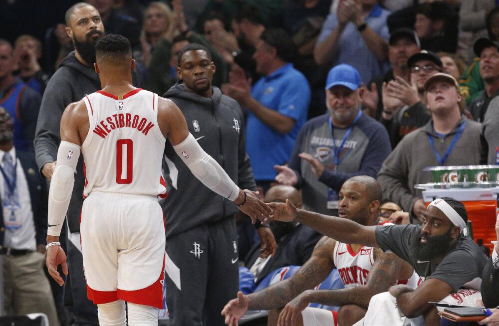VIDEO | Westbrook kerkis endise koduklubi vastu üleplatsimeheks, aga Rocketsit see kindlast kaotusest ei päästnud