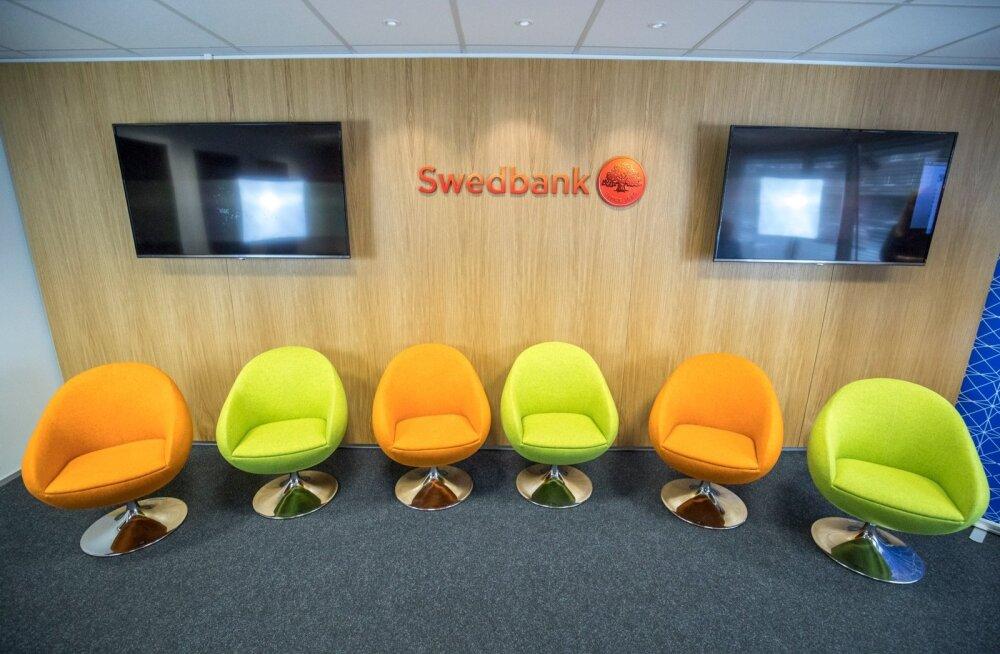 Прокуратура заявила о новых подозрениях против Swedbank после обысков