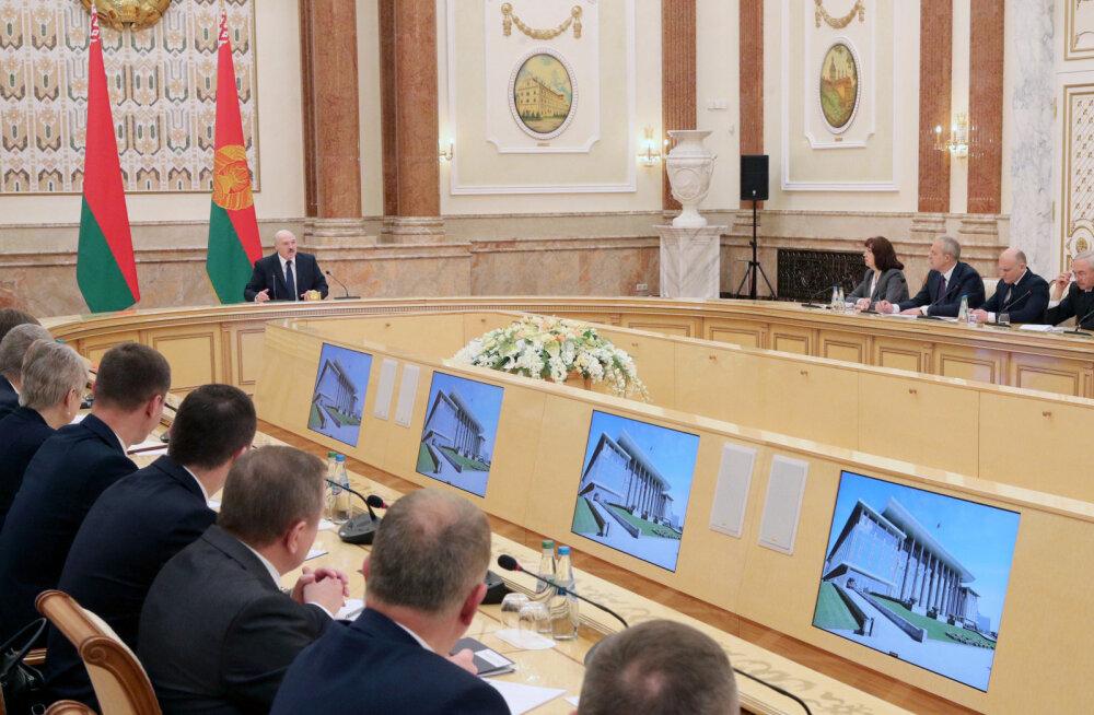 Lukašenka nõudis oma uuelt valitsuselt Vene turust sõltumise probleemi lõplikku lahendamist