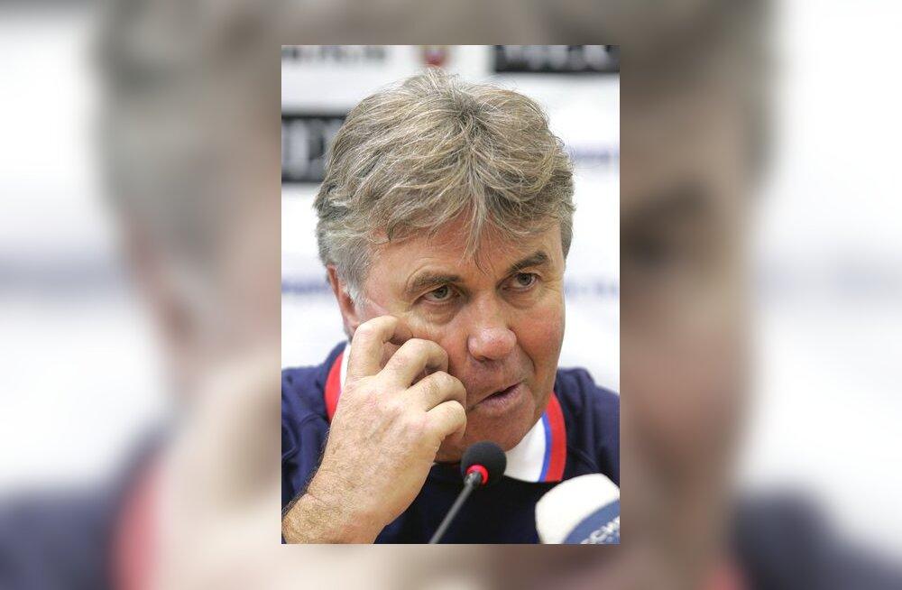 Venemaa peatreener Guus Hiddink Eestiga mängu eel pressikonverentsil