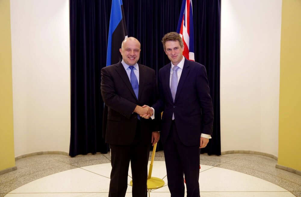 Briti kaitseminister lubas Tallinnas, et venelaste Suurbritannias asuvad varad võetakse rangemalt luubi alla