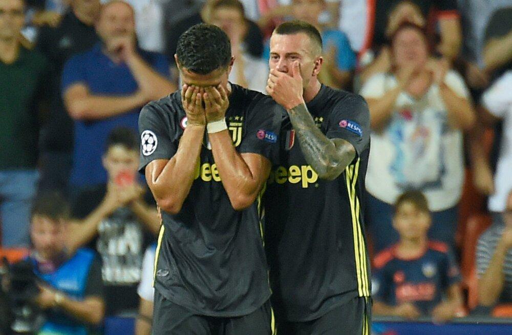 Cristiano Ronaldo pärast punase kaardi saamist