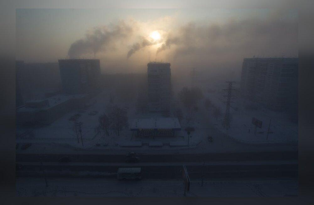 Siberis Omskis sadas teist korda nädala jooksul musta lund