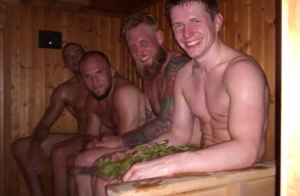Küll harva, aga juhtub ka nii, et võitlussportlased käivad saunas oma vabast tahtest. Tagant ette: Anton Kuivanen, Mika Hämäläinen, Juho Valamaa, Ott Tõnissaar (juuni 2015).
