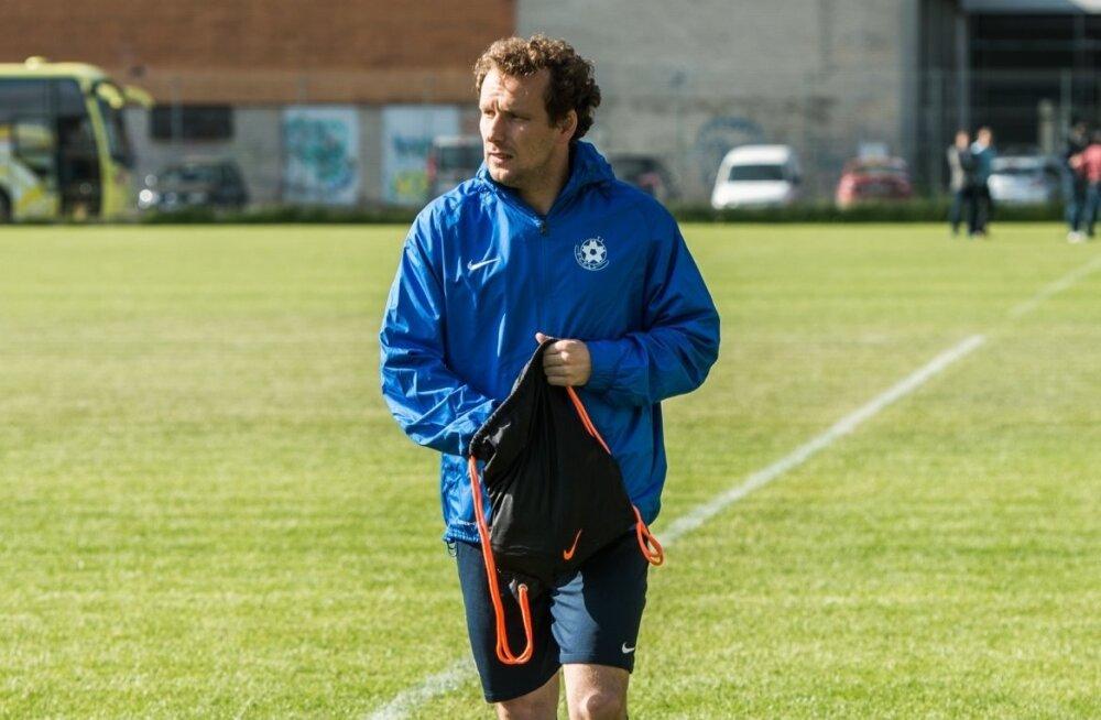 Konstantin Vassiljev Eesti ialgpallikoondise treeningul