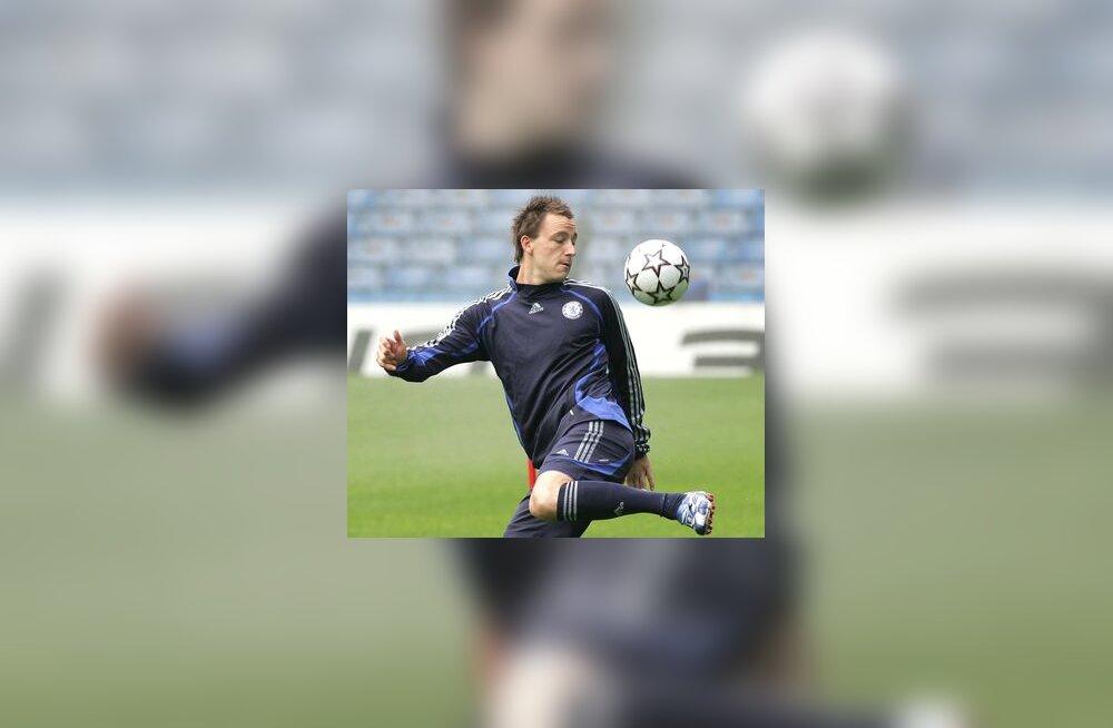 Chelsea kapten John Terry valmistumas Liverpooliga mänguks