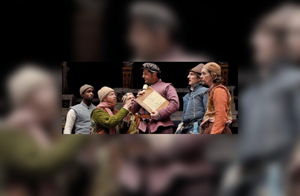 Shakespeare'i-aegne publik nosis teatris mereande