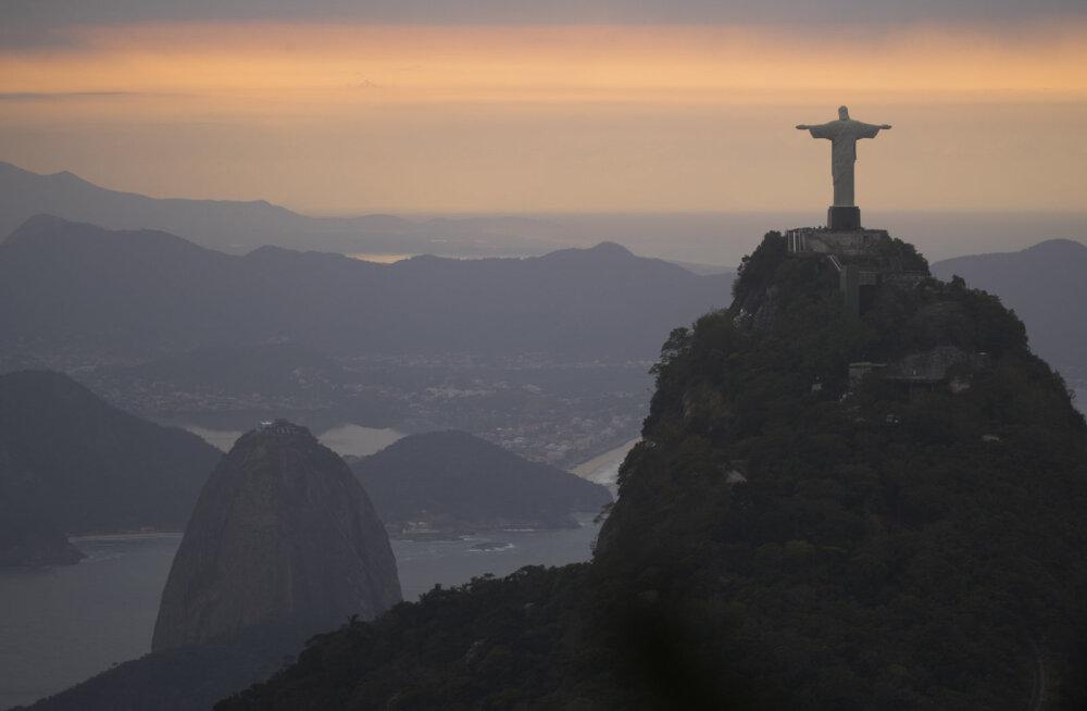 Soovid kogeda Riot tugitoolist tõusmata? Proovi Google`i loodud 360-kraadise pildiga favela-tuuri