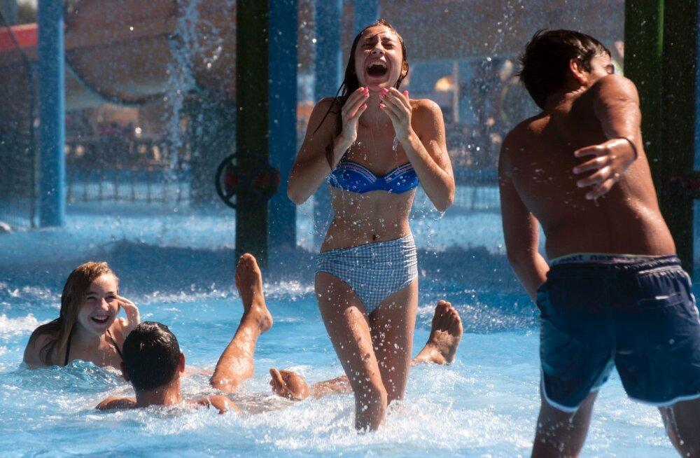 Spaasse sisenemise keeld! Soome noored läksid veepargis pööraseks: basseinis seksiti ja duširuumis oksendati