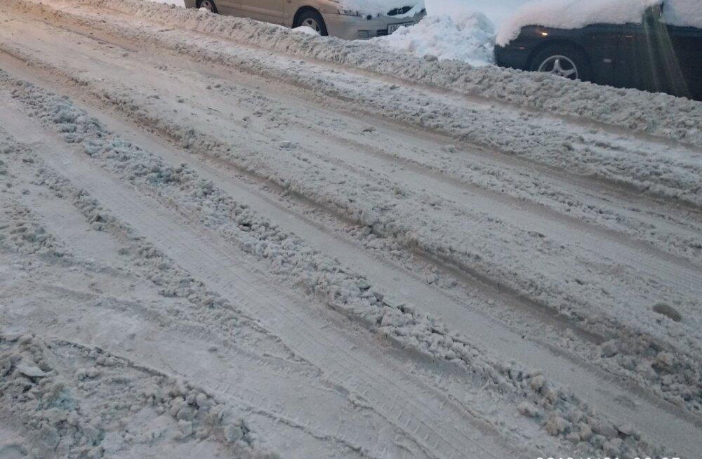 ФОТО читателя Defli: Неужели мы сами должны чистить улицы от снега?