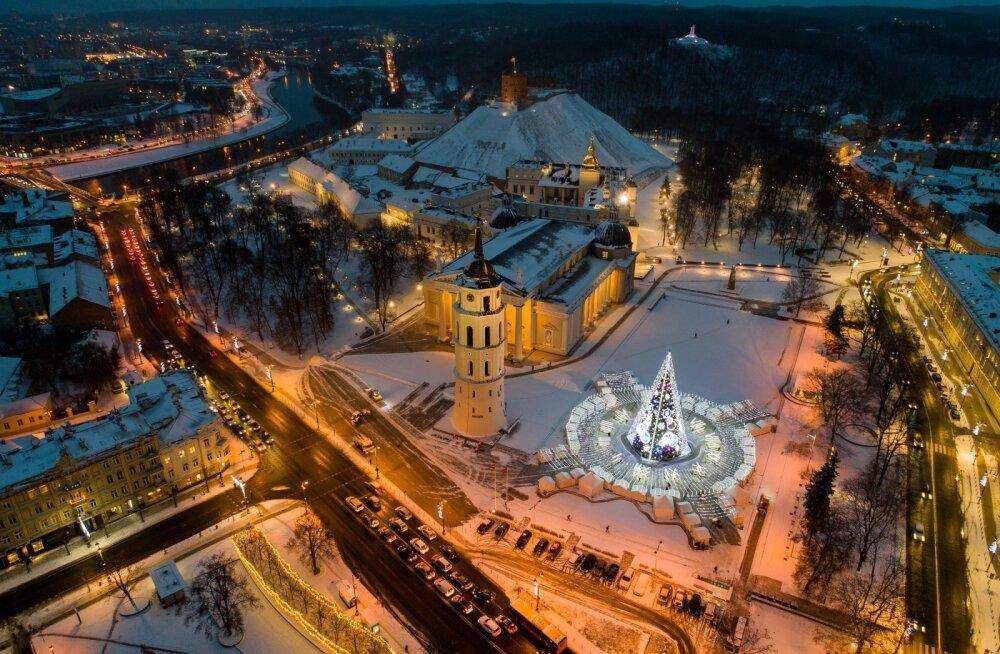 ФОТО: Самая красивая елка Европы? Рождественская красавица Вильнюса с высоты птичьего полета