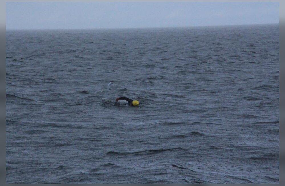 VIDEO | Hulljulge ujuja alustas teekonda Rootsist Saaremaale