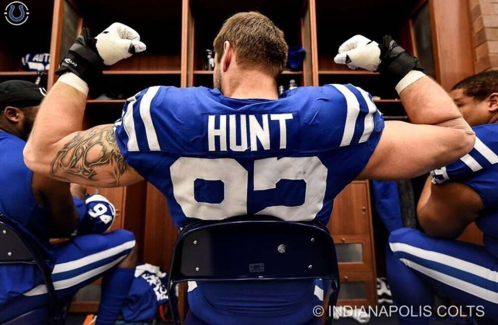 Margus Hunt jätkab Indianapolis Coltsi tugisambana.
