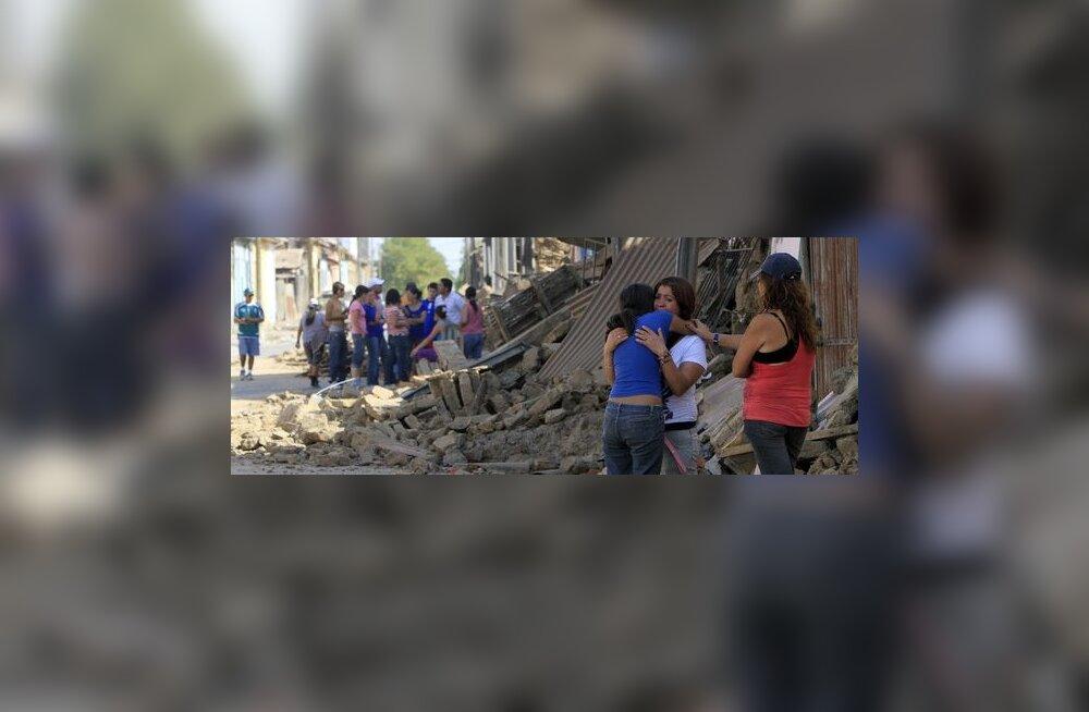 FOTOD-VIDEOD: Tšiili maavärinal üle 700 ohvri