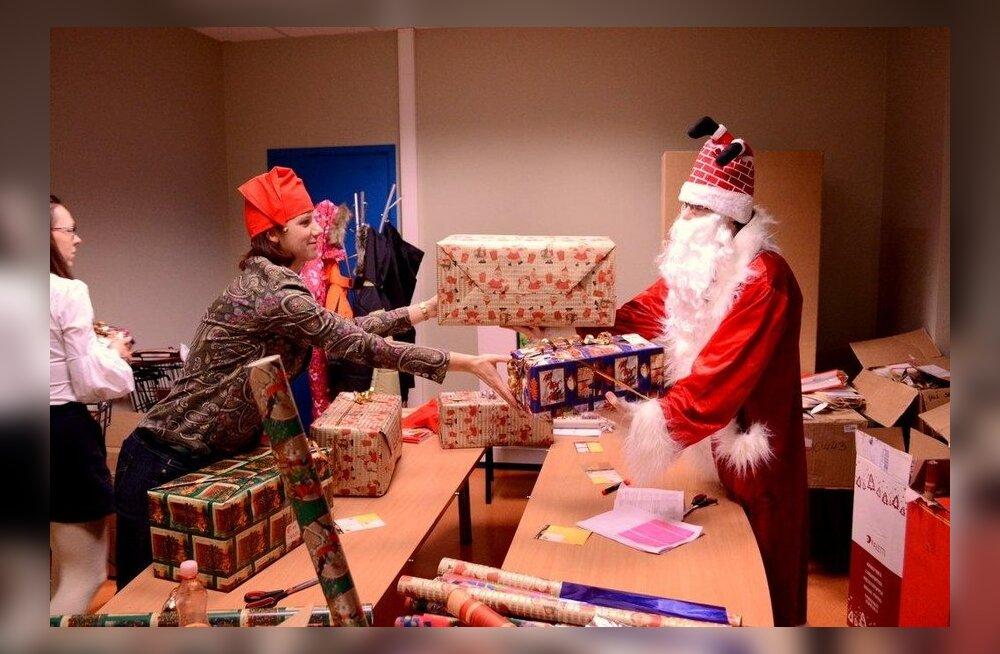 Jõulusoovide puul on veel vaid 39 lapse jõuluunistused!