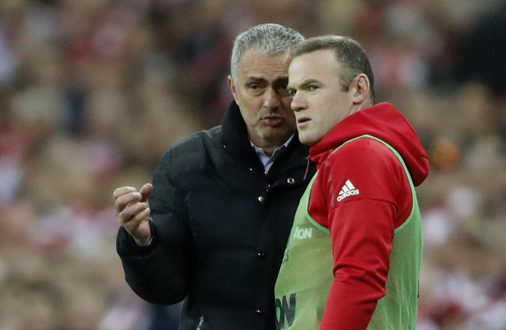 Wayne Rooney avaldas Jose Mourinho peatreeneri aja tagamaid: mürgine õhkkond levis köögitoimkonnani välja
