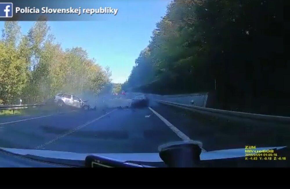 Mõtlemapanev video: ka pealtnäha lihtne möödasõit võib väga halvasti lõppeda
