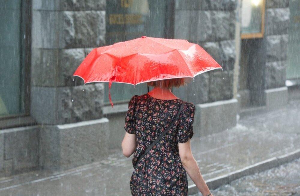 Ilm püsib jätkuvalt sajune ja soe, nädalavahetusel vihmahood lakkavad