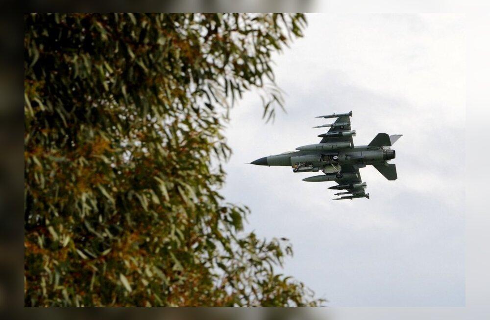 """Itaalia kannab F-16 hävitajad """"vanadena"""" maha"""