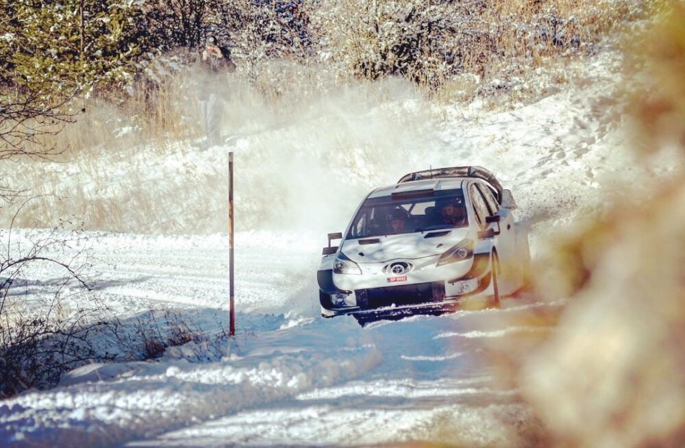 VIDEO JA FOTO | Ei mingit keeldu! Ott Tänak tegi Prantsusmaal Toyota roolis esimese testisõidu