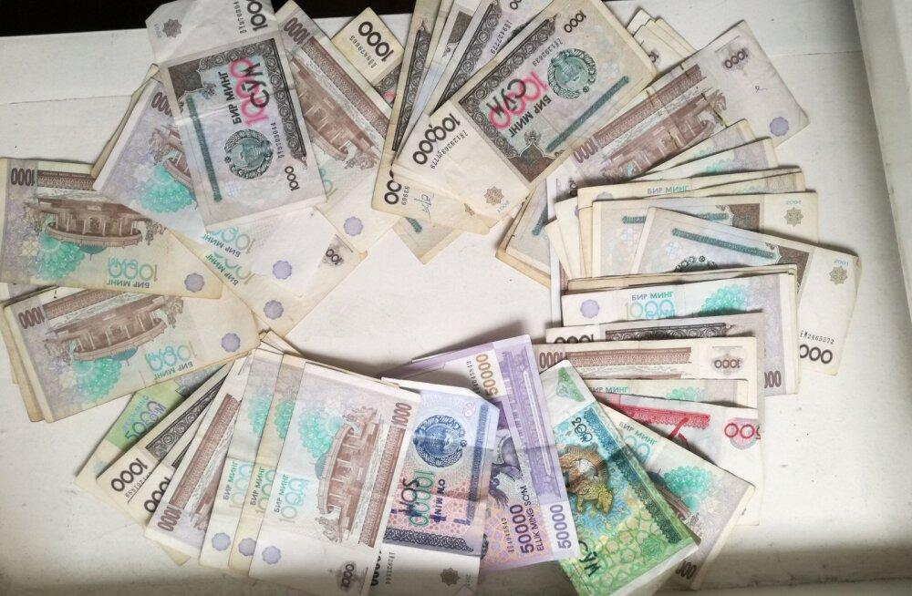 MIDA TEHA, kui sul on reisides nii palju raha, et ei mahu kotti ära…