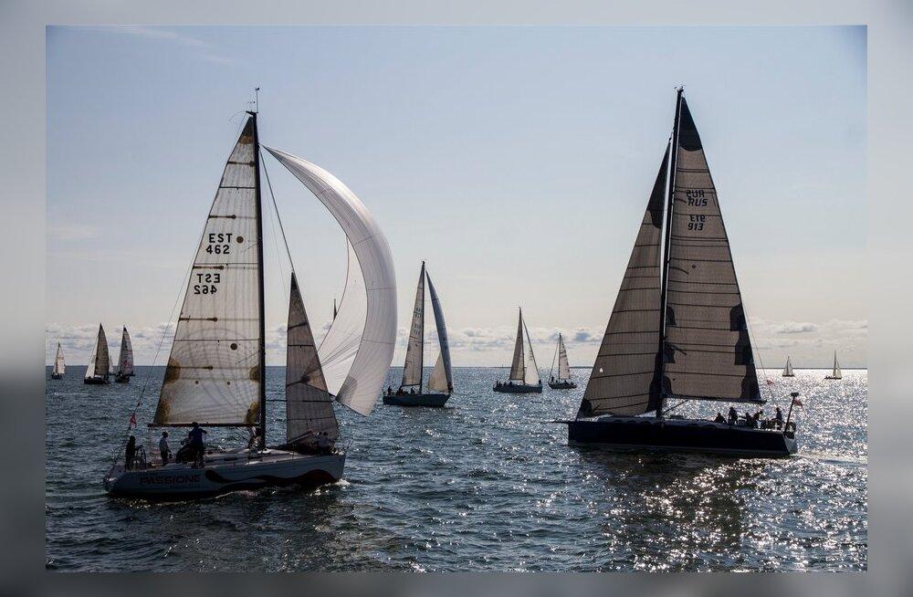 Muhu väina regati esmaspäevane start 2013