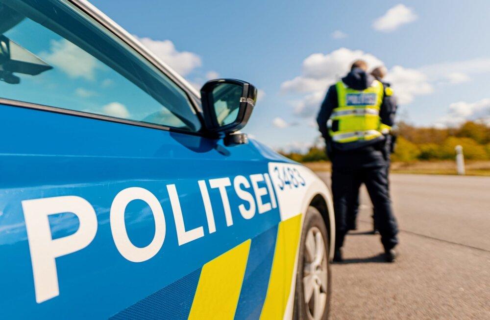 Полиция ищет водителя и свидетелей: у школы машина сбила ребенка и скрылась