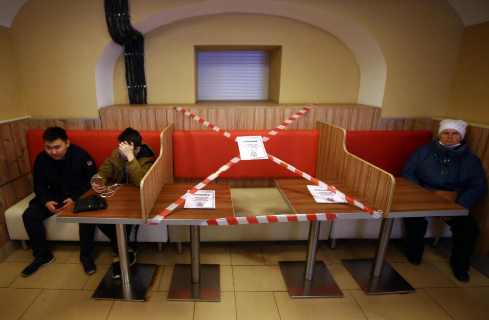 Venemaal algab homsest töövaba nädal, aga söögikohad ja kuurordid suletakse, reisida ei soovitata