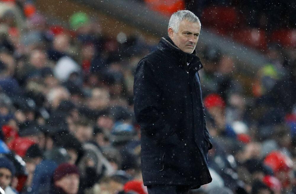 Manchester United vallandas Jose Mourinho